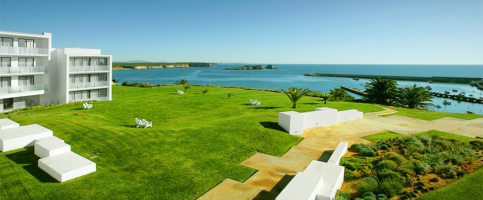 Memmo baleeira design hotels verychic exceptional for Design hotel algarve