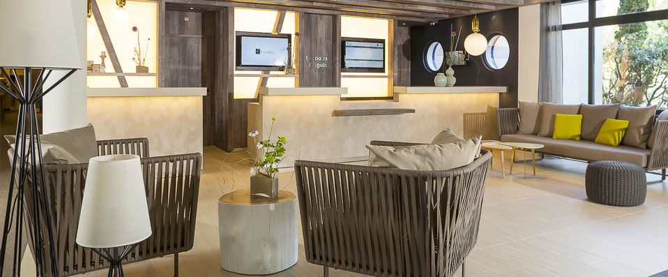 h tel les bains d 39 arguin verychic exceptional hotels exclusive offers. Black Bedroom Furniture Sets. Home Design Ideas