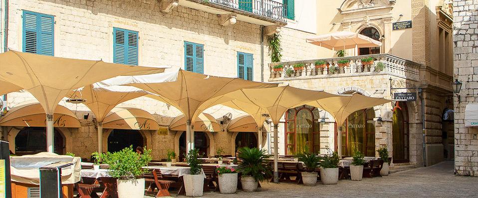 Historic boutique hotel cattaro verychic ventes for Historic boutique hotel